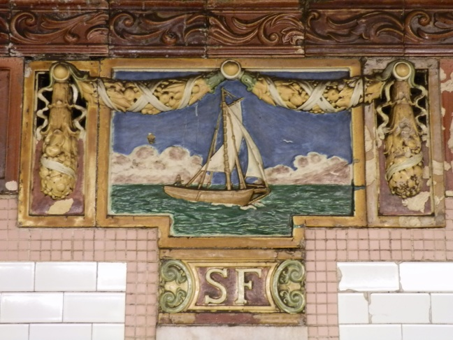 Decorative tiles, South Ferry subway station, Manhattan (Heins & LaFarge, 1905)