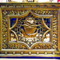 I was struck by this gate in front of one of the altars. At the center is a depiction of a basket with five loaves of bread and two fish below — a reference to the only miracle performed by Jesus that is described in all four of the New Testament gospels.